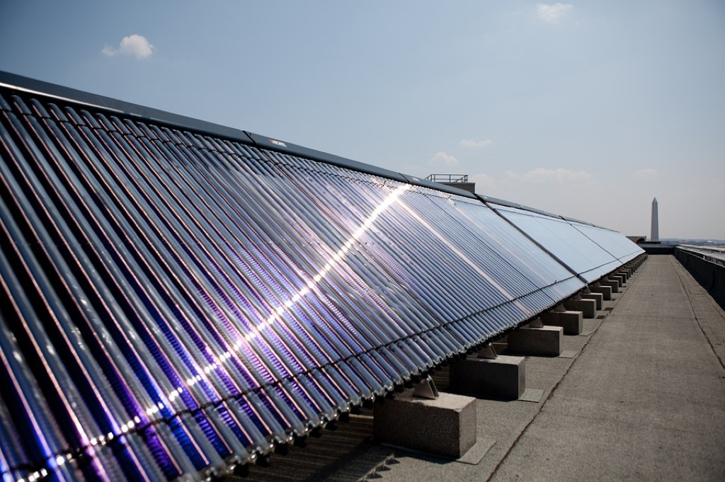 Primary Advantages & Disadvantages of Solar Water Heaters